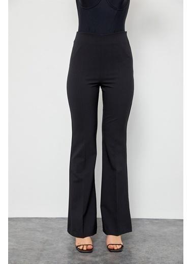 Setre Ekru Yüksek Bel Bedene Oturan İspanyol Paça Kumaş Pantolon Siyah